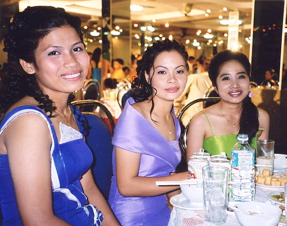 A bevy of beauties at the weding reception, Ara, Lina and Ann.
