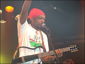 Basil Gabbidon in full flow at the B'ham ArtsFest 2004 (Photo: BBC)