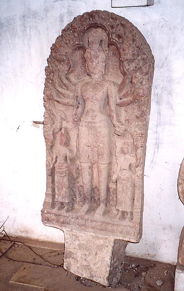 A carved Vishnu at Wat Po Veal.