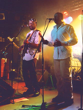Basil Gabbidon and Lee Alexander on stage at The Old Railway, Digbeth, B'ham in May 2003 (photo: Andy Brouwer)