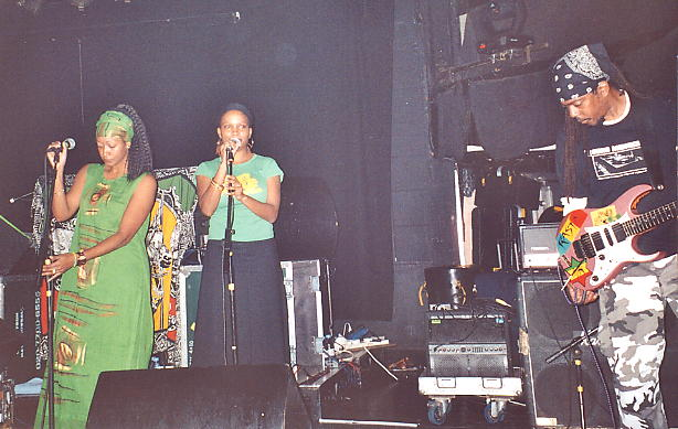 Melanie & Keysha together with Moonie on stage in London.