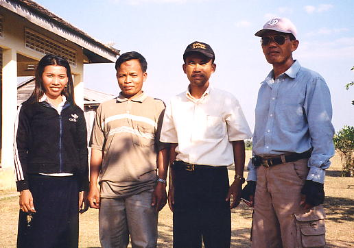 LtoR: Dari, Nhien Bun Tay, Rieng and Heng pose for a photo at Kdei Run school.