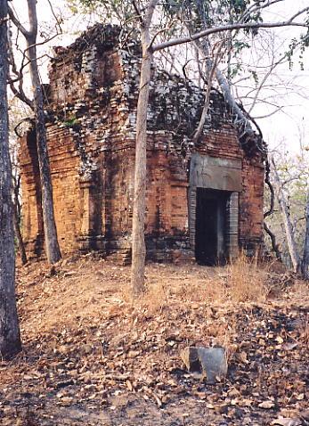 The solitary tower of Prasat Kraham.