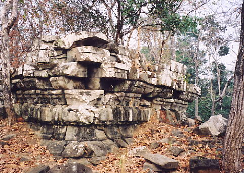 Prasat Khna, an unusual construction of large sandstone slabs.