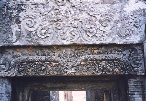 A lintel at Prasat Krachap, where a substantial number of carvings remain.