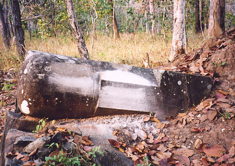 The 'bomb' linga at Prasat Leung 4. The tower disappeared long ago.