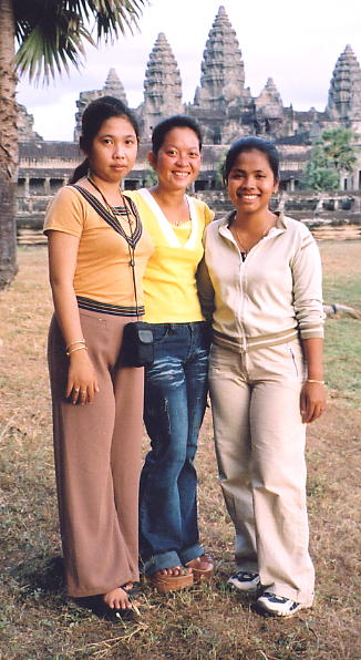 Noung and two friends from Phnom Penh, at Angkor Wat in Dec 2003.