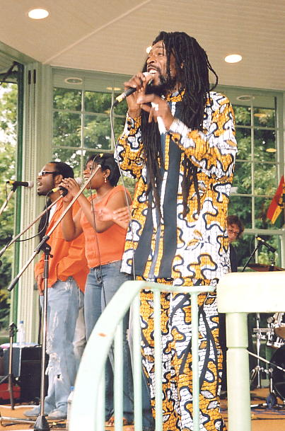 Percy Dread and his backing vocalists.
