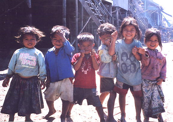 A group photo taken at the floating village of Kompong Phluk in Jan 2005.