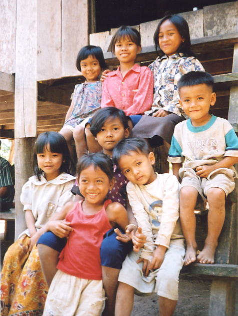 The adorable kids that waved us off from the home of Ket and his family in Ta Seng.
