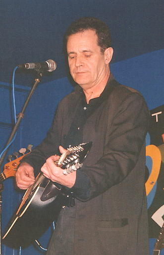 Roy Hill on stage at the Turks Head 17/12/05.