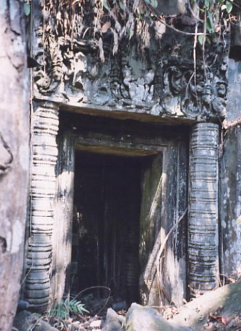 A doorway with damaged lintel at Prasat Bangkoy North.