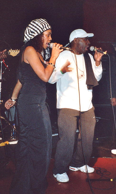 Yaz Alexander and Pato Banton duet at The Barfly 26 Mar 2006.